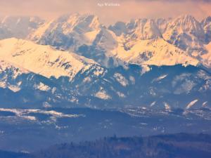 Zbliżenie na Tatry z Lubania