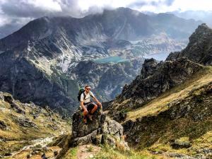 """Jedno ze zwycięskich zdjęć w konkursie marki Marmot """"Uwolnij emocje zaklęte w górach""""."""