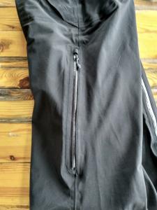 Materiał spodni