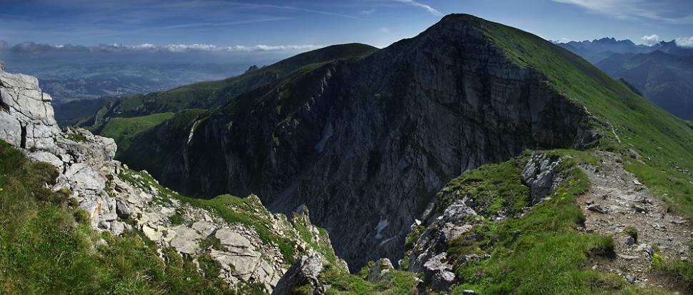 Północna ściana Krzesanicy oglądana z Ciemniaka