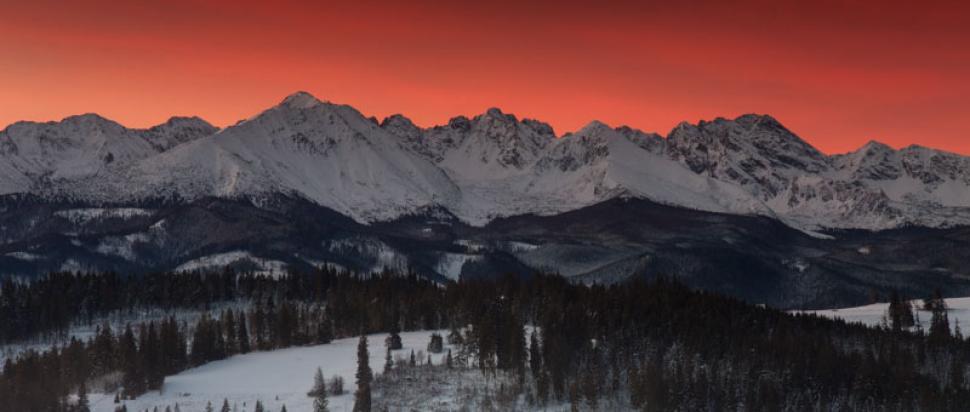 Tatry kilka minut przed wschodem słońca.