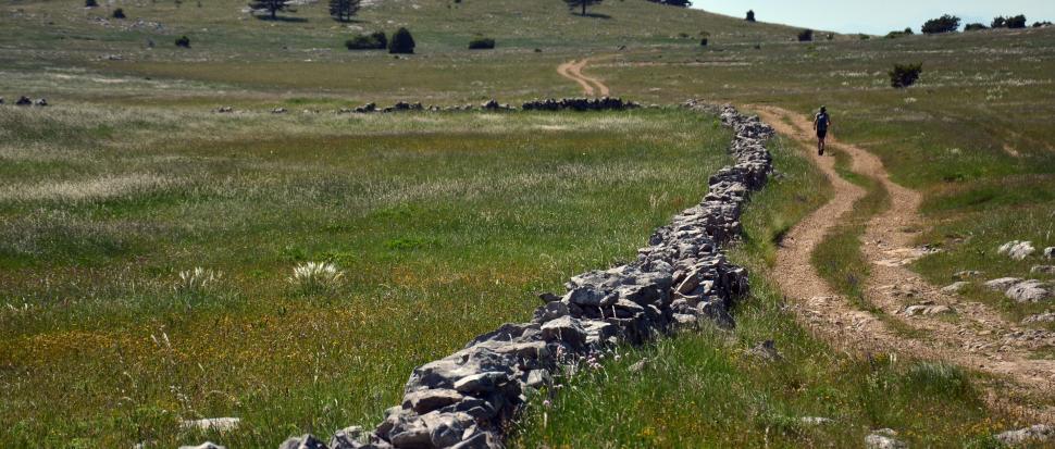 droga w Górach Dynarskich