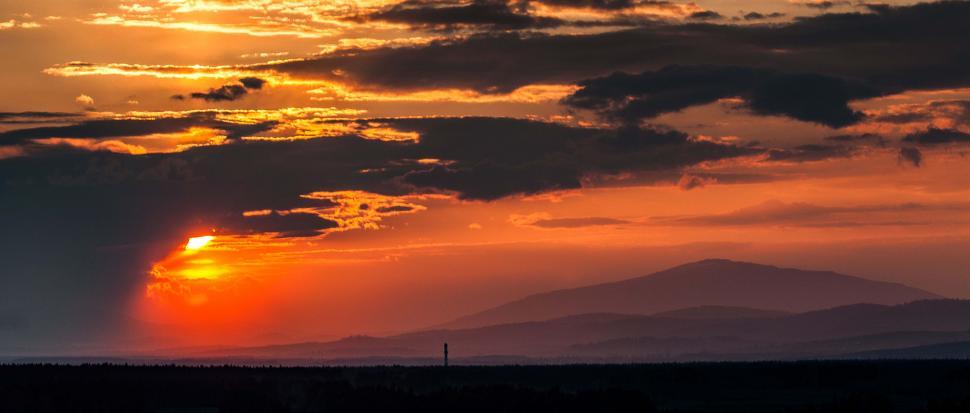 Widok na wschód - masyw Babiej Góry