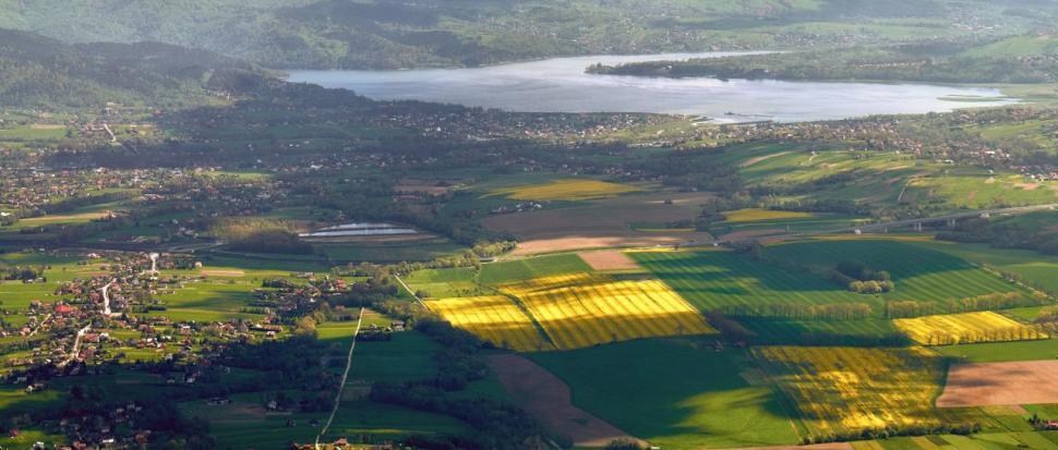 Jezioro Żywieckie w dole