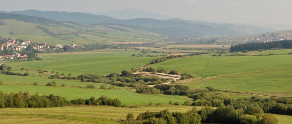 Widok na Babią Górę znad miejscowości Hruštín.