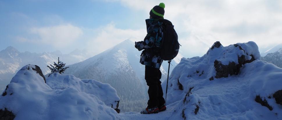 Panorama z Gęsiej obejmuje ok. 50 tatrzańskich szczytów